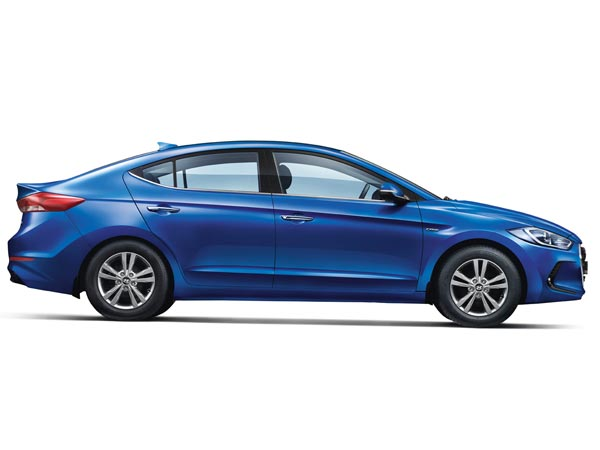 Hyundai's New Elantra Receives 405 Bookings — Has The Era Of Premium Sedan Begun?