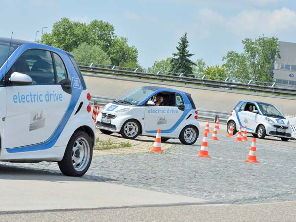 Daimler To Begin Smart Parking Project