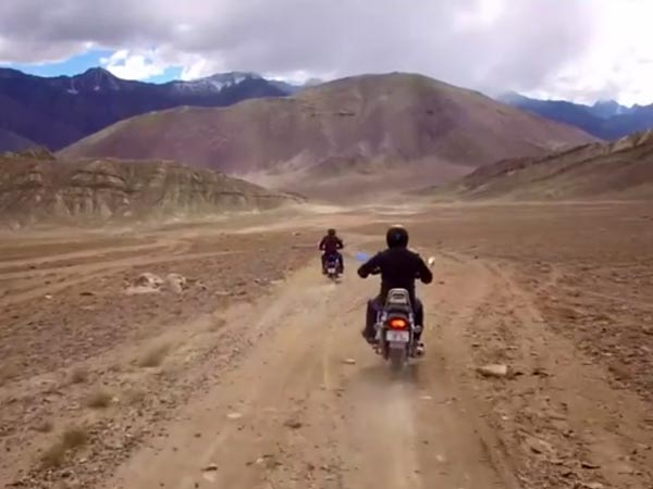 Bajaj Avenger Wishes 'Happy Brotherhood Day' To Royal Enfield — Not The Rivalry Kind