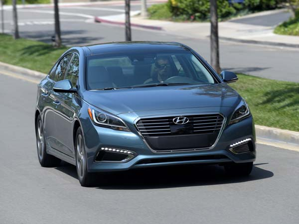 2017 hyundai sonata hybrid to come with features of carplay android auto connected car. Black Bedroom Furniture Sets. Home Design Ideas