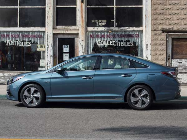 2017 Hyundai Sonata Hybrid Features Revealed — Enhancement Personified