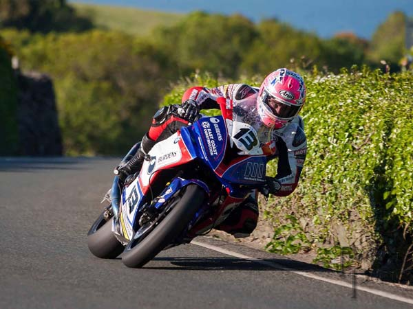 Road Racer Lee Johnston Looking For A New Ride For 2017