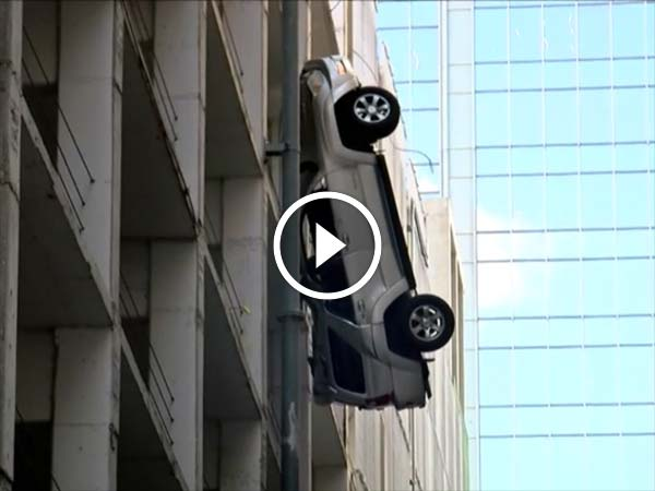 .texas-driver-escapes-car-park