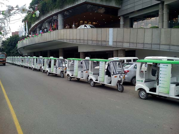Last Mile Connectivity Issue Sorted In Gurgaon — Say Hello To e-Rickshaws