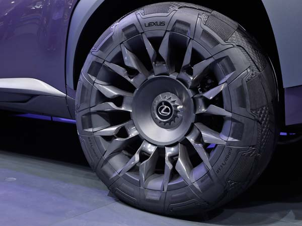 2016 Paris Motor Show: Goodyear Showcases Urban CrossOver Concept Tyre