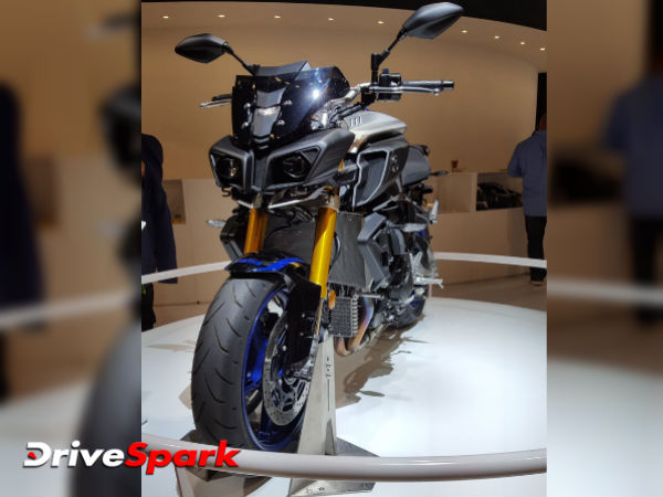 2016 Intermot Motorcycle Show: Yamaha Unveils Hyper-Naked MT-10 SP