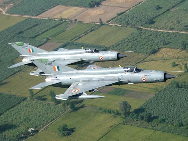 Top 10 Indian Air Force Aircraft In 2016 — Ready To Take Up Any Challenge
