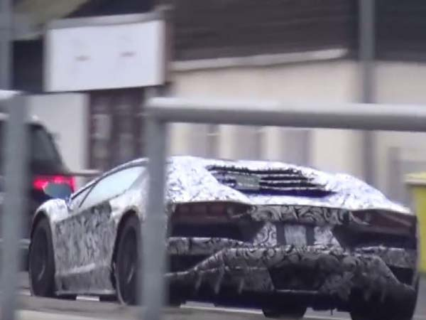 Spied: Lamborghini Aventador Facelift Spotted Testing
