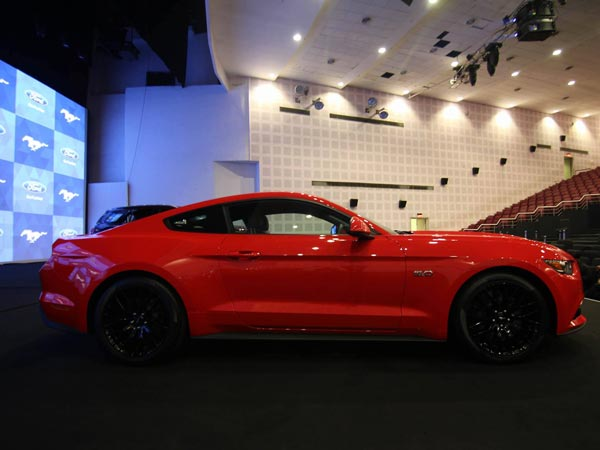 Ford Mustang Production Suspended Temporarily For A Worrying Reason