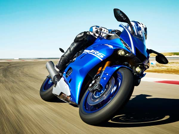 The Wait Is Finally Over — 2017 Yamaha R6 Unveiled