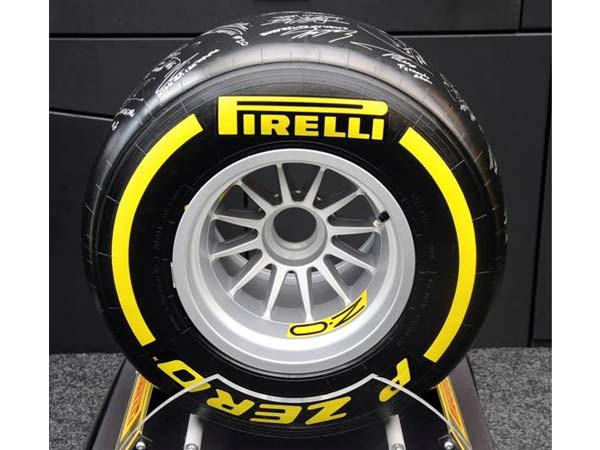 Pirelli 2017 Formula One Tyre Test — Bad Weather Hinders The Test