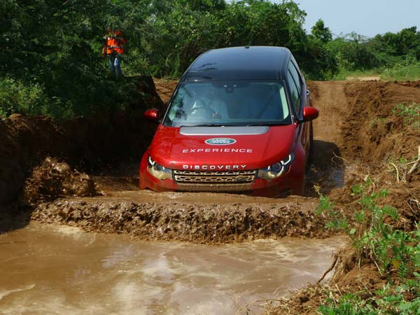 Land Rover Off-Road Drive Experience To Be Held In Kolkata