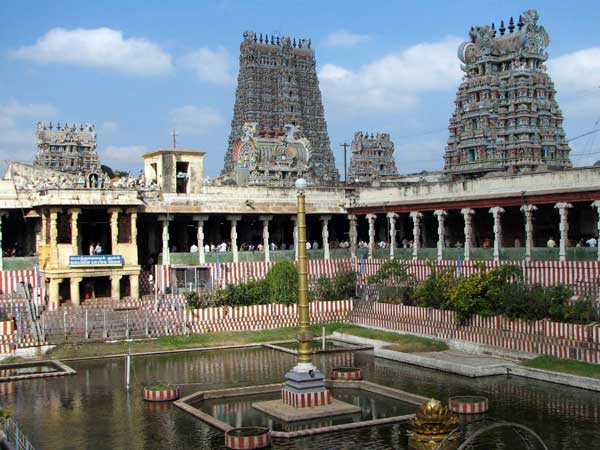 Madurai Prepares Itself For Diwali Celebrations — Bans Auto Rickshaws And Cars