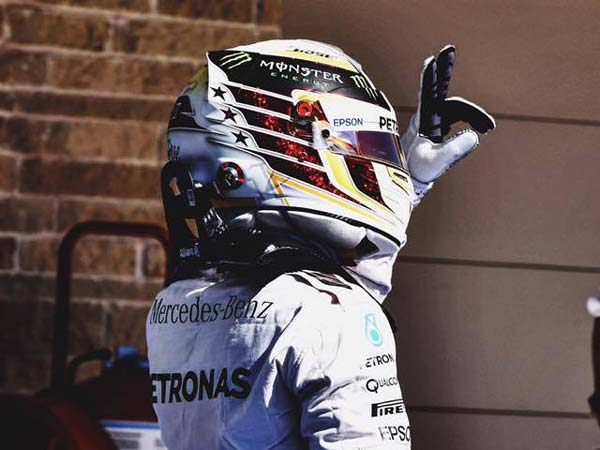 F1: Hamilton Wins The US GP, Cuts Rosberg's Point Lead