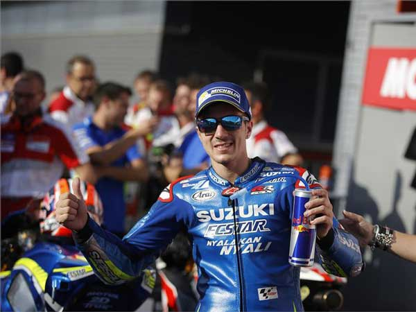 Vinales Could Beat Lorenzo In 2016 Championship