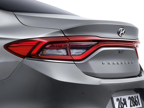2017 Hyundai Azera Grandeur Revealed Drivespark News
