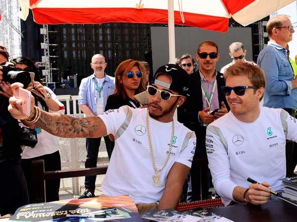 Lewis Hamilton To Chase Down Nico Rosberg In Austin