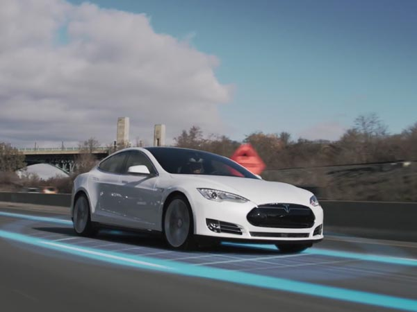 Tesla Cars Will Be Equipped To Drive On Their Own
