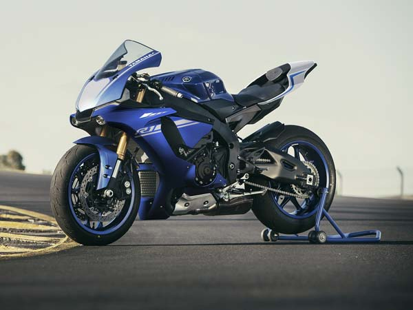 Yamaha YZF-R1 Wins German Design Award