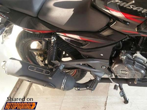 Spotted: 2017 Bajaj Pulsar 220F At A Dealership