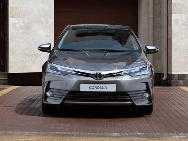 2019 Toyota Corolla Spied Testing Drivespark News