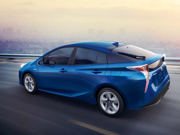 Toyota To Focus On Long-Range Electric Cars