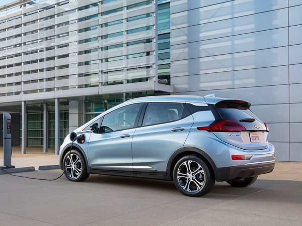 GM Begins Production Of Chevrolet Bolt Electric Car