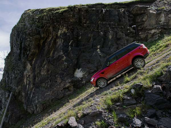 Range Rover Sport Takes On The Inferno Downhill Challenge With Former Stig Ben Collins At The Wheel