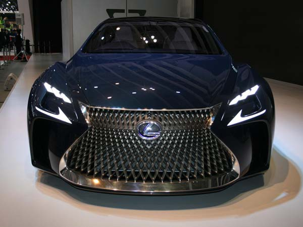 Lexus Hydrogen Fuel Cell Powered Vehicle Coming By 2020