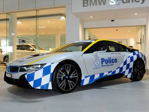 Sydney Police Choose 'Hybrid Performance' — Take Delivery Of New BMW i8 Police Car
