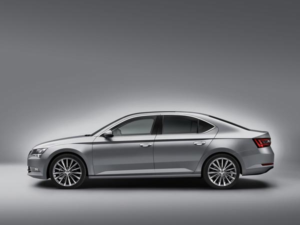 Skoda Superb Plug-In Hybrid To Be Launched In 2019