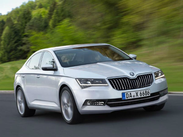skoda superb plug in hybrid to be launched in 2019 drivespark news. Black Bedroom Furniture Sets. Home Design Ideas