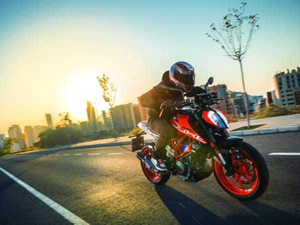 2017 KTM Duke 390 To Be Launched In India In January — Deliveries To Commence From April