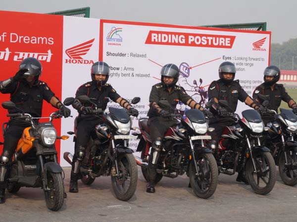 Honda Two Wheelers Joins Delhi Police To Promote Road Safety And Safe Riding Habits