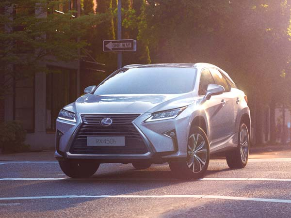 Lexus RX 450h SUV Spotted On Its Way To A Customer