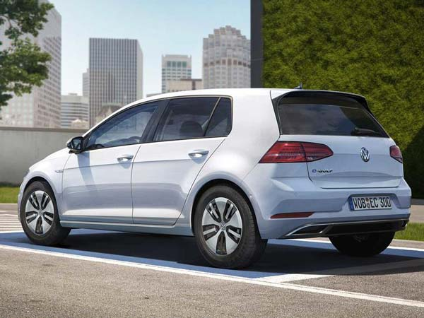 Los Angeles Auto Show 2016: Volkswagen e-Golf Revealed