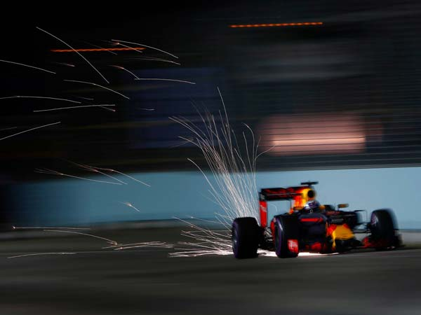 F1 Chief: Unhappy About Singapore Pulling Out Of Grand Prix
