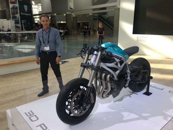 Divergent 3D Showcase 3D-Printed Motorcycle