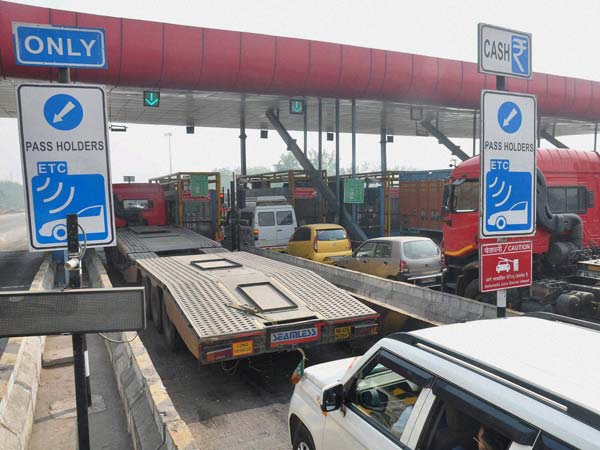 NHAI To Not Collect Toll Tax Pan India, Demonetization Effect
