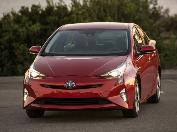 Toyota Eyes To Sell More Hybrid Cars In India