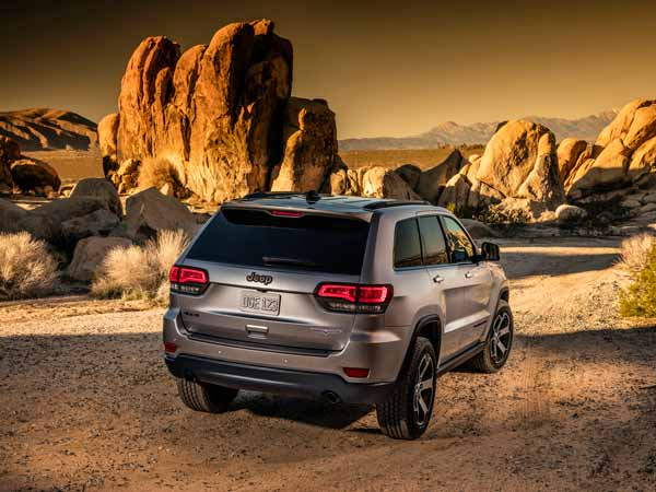 2017 Jeep Grand Cherokee All Wheel Drive Earns Five-Star Safety Rating