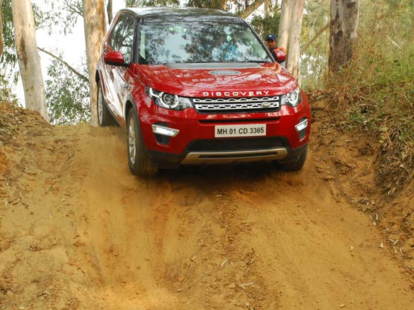 Land Rover Experience Tour Heads To Aamby Valley For A Second Time