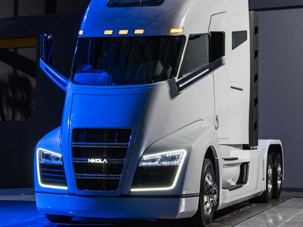 Nikola One Hydrogen Fuel Cell Truck Revealed