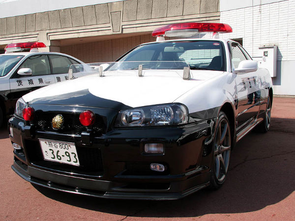 Nissan Skyline Patrol Car Spotted In Action