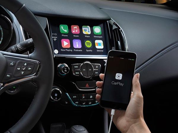 Specification Comparison: Apple CarPlay vs Android Auto - DriveSpark