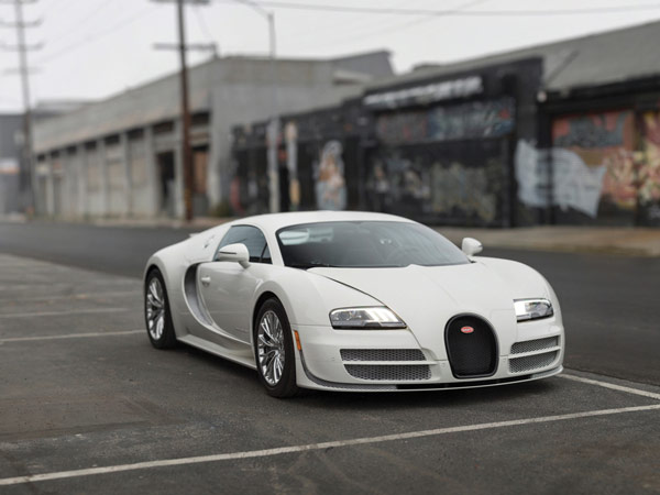 Last Bugatti Veyron Coupe 'Super Sport 300' To Go Up For Auction