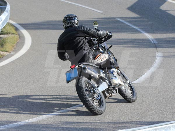 2018 KTM 390 Adventure Spy Images And Complete Details