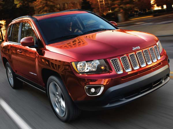 Fiat Chrysler Automobiles To Recall 50,000 SUVs Over Engine Stall Issue