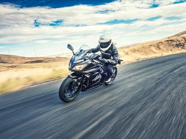2017 Kawasaki Ninja 300 Unveiled Drivespark News