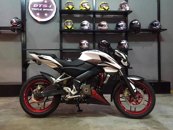bajaj pulsar 200 ns limited edition launched in cambodia